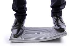 Gymba Balanceboard belastet im Einsatz